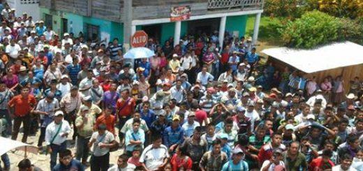 FOTO PRENSA COMUNITARIA CONSULTA CAHABON